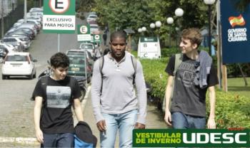 Universidade é pública e oferece gratuitamente todos os seus cursos de graduação - Foto: Jonas Pôrto