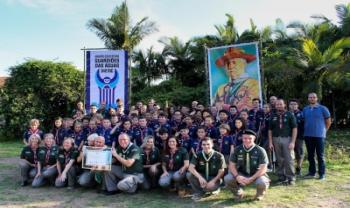 Integrantes do primeiro grupo de escoteiros instalado na universidade - Foto: Divulgação