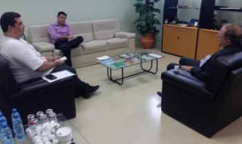 Primeiro encontro foi com representante do sindicato dos técnicos da Udesc. Foto: Divulgação