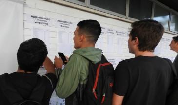 Além do site oficial, candidatos puderam ver resultados na Reitoria - Foto: Isadora Vicente/Secom Udesc