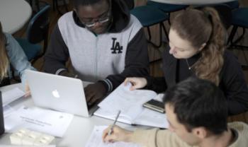 Dados ajudam núcleos e direções dos centros a promover melhorias nos cursos - Foto: Jonas Pôrto