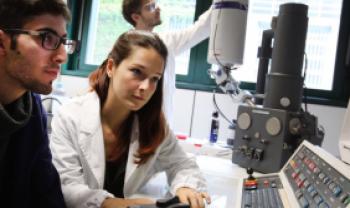 Auxílio prevê passagem e diárias internacionais para docentes integrantes de cursos de doutorado