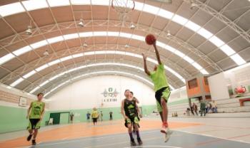 Artigo analisa o envolvimento esportivo e escolar sob a perspectiva de alunos-atletas do Programa Basquetebol Para Todos