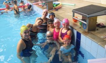 Aulas ocorrem na piscina semiolímpica da Udesc Cefid