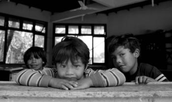 Crianças do Morro dos Cavalos, SC - foto por Ana Paula Soukeff