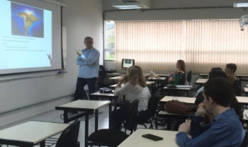 Professor Jorge Amaro Bastos Alves (Univali) ministrou palestra sobre energia e desenvolvimento econômico sustentável na Udesc Cesfi