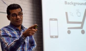 Hamid Jafari é coordenador do curso de graduação em Gestão de Cadeias de Suprimentos Sustentáveis na Universidade de Jönköping, Suécia