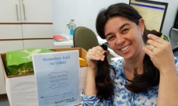 Fernanda dos Santos, professora da Udesc Cefid,  doou mechas de cabelo e ficou feliz de poder  contribuir com a campanha