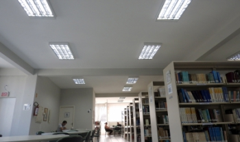 Biblioteca Central, que funciona no Bairro Itacorubi, na Capital, agora temlâmpadas LED - Foto: Secom Udesc