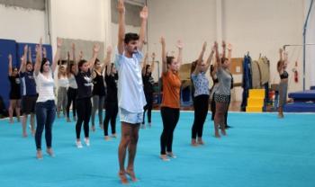 Oficina de ioga foi realizada na última segunda