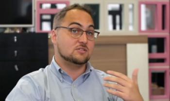 Lucas Prim, CEO e cofundador da SumOne e egresso da Udesc Esag, em cena do filme