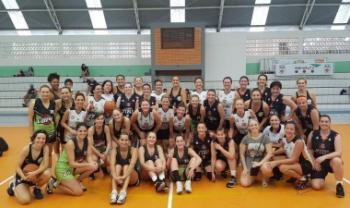 Evento na Udesc Cefid reuniu quatro equipes de basquete máster feminino