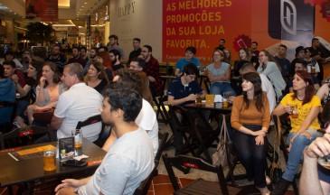Todos os bate-papos e palestras iniciam às 19h, mas recomenda-se chegar mais cedo, já que não há reserva de lugar - Foto: Cristiano Vasconcellos