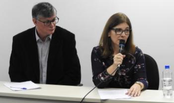 Norberto Dallabrida, idealizador do Oemesc, e Jane Voigt, palestrantes da primeira jornada