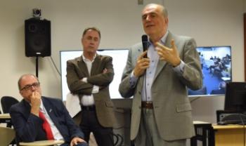 Reitor da Udesc, Marcus Tomasi, coordenador do LabGes (Udesc Esag), Carlos de Rolt, e professor Antonio Corradi (Unibo)