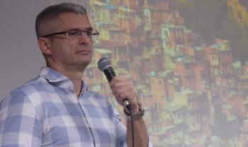 Professor Marcelo Mello, do Ibmec RJ, abriu a Semana Acadêmica de Economia