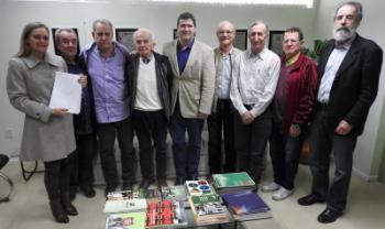 Comitiva de ex-reitores e professores foi recepcionada no Gabinete do Reitor