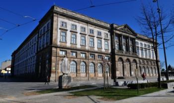 Um dos alunos selecionados irá estudar na Universidade do Porto (Portugal)