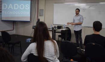 O empresário Luiz Guilherme Noldin trouxe o exemplo de sua empresa, Inside the Box, para falar sobre empreendedorismo na área de dados