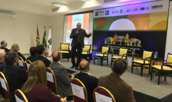Palestra magna do evento, nesta quarta, abordou a aprendizagem no mundo digital