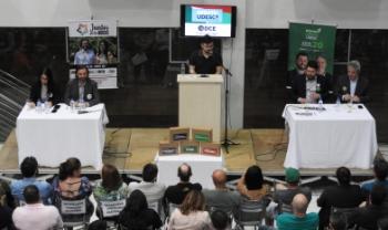 Evento promovido pelo DCE teve presença das duas chapas que concorrem à Reitoria - Foto: Secom Udesc