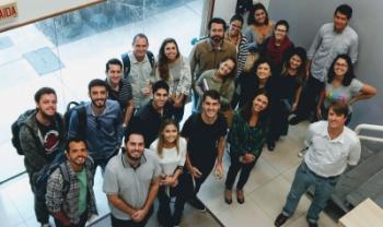 Turma do Mestrado Profissional em Administração da Udesc Esag, durante visita técnica a empresa - Foto: Ascom/Udesc Esag