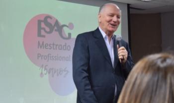 José Francisco Salm era o diretor de pesquisa e pós-graduação do centro durante a criação do mestrado