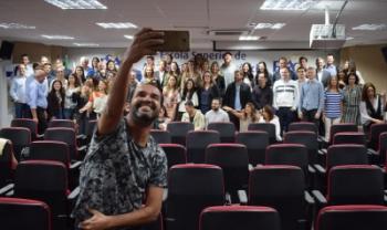 Estudantes, egressos e professores se reuniram para comemorar os 15 anos do curso