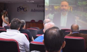 Egressos tiveram depoimentos exibidos em vídeo