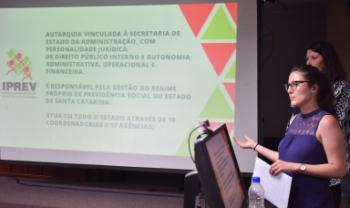 Estudantes apresentam resultado de consultorias a gestores do governo