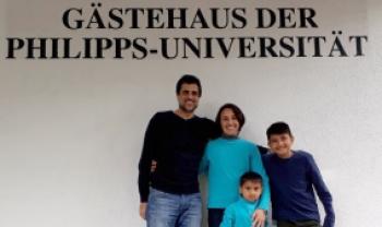 Fabrizio Caputo (com a família) viajou para fazer pesquisas na Alemanha