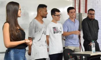 Estudantes apresentam resultados das consultorias
