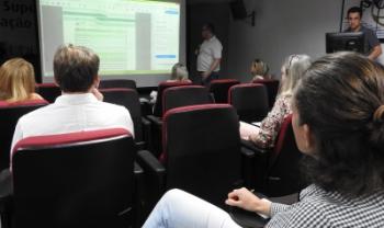 Integrantes dos núcleos central e setoriais debateram planejamento em reunião - Fotos: Pedro Correa/Secom
