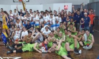Equipe sub-15 venceu quatro jogos - Fotos: Divulgação