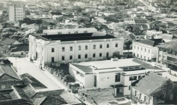 A antiga escola Antonieta de Barros fica ao lado do prédio ocupado hoje pelo Museu da Escola Catarinense