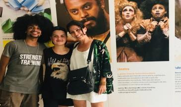 Luan Telles, Caê Beck e a professora Maria Brígida de Miranda na sede do Itaú Cultural em São Paulo. Foto: Divulgação