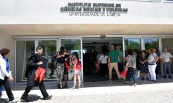 Acordo levará estudantes de Administração Pública da Udesc Esag para Portugal