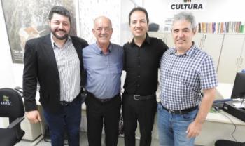Reitor eleito, Dilmar Baretta, com os professores Nério Amboni, Mayco Morais e Luiz Coelho