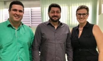 Thiago e Cecília permanecem nos cargos para gestão de Dilmar Baretta (ao centro)
