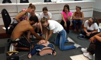 Atividade capacitou estudantes para atendimento emergencial