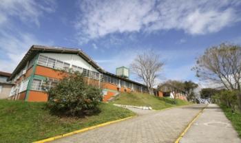 Universidade retomará calendário do vestibular após normalização no Estado e no País - Foto: Jonas Pôrto