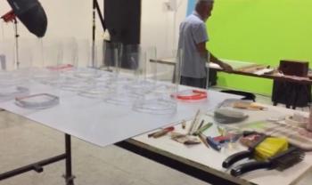 Laboratório de Fotografia foi adaptado para fabricação de face shields em impressooras 3D - Foto: Divulgação