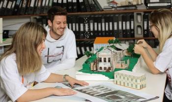 Há oportunidades em nove centros de ensino, como  em Laguna, no curso de Arquitetura.
