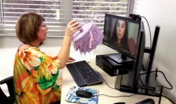 Colação de grau em gabinete foi realizada de forma virtual (Foto: Carol Hommerding Ascom/Faed/Udesc)