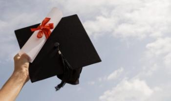 Cerca de 700 acadêmicos receberão seus diplomas de conclusão de curso