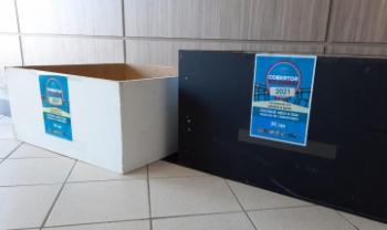 Doações podem sem feitas no ponto de coleta que fica no hall do prédio da administração. Foto: Gustavo Araújo