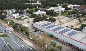 Projeto incluiu instalação de geração fotovoltaica e a troca de mais de seis mil lâmpadas - Foto: Divulgação